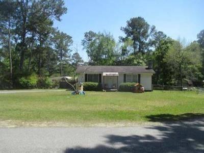 3 Bed 1 Bath Foreclosure Property in Ty Ty, GA 31795 - Richardson St