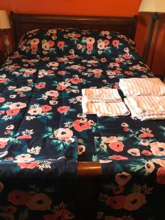 Flower comforter and sheets
