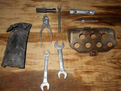 Sell 1986 HONDA ATV TRX250 TRX 250 FOURTRAX TOOL KIT WITH TRAY motorcycle in New Bethlehem, Pennsylvania, United States, for US $35.00
