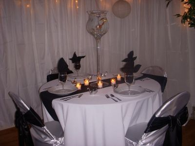 40 Black Table Runners