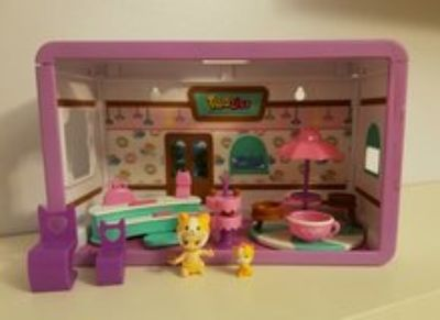 Twozies little doll house.