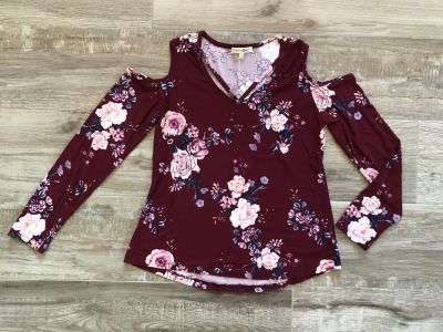 Juniors Wishful Park long sleeve floral shirt. Size large.