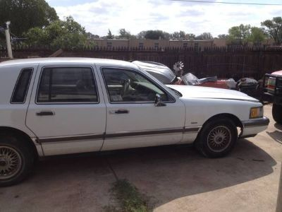 1990 Lincoln towncar parting out (San Angelo)
