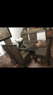 Dinning table w/chairs