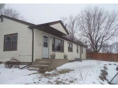 3 Bed 2 Bath Foreclosure Property in Pecatonica, IL 61063 - Grove Rd