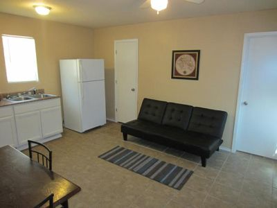 $450, Carrizo Springs RV Park w Brand New Apartment Cabins for Rent