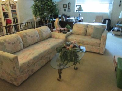 3 piece sectional and sofa table