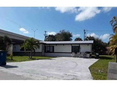 3 Bed 2 Bath Foreclosure Property in Fort Myers, FL 33919 - Pompano St