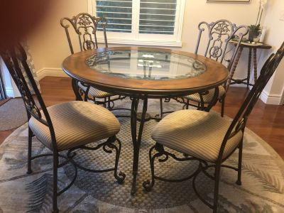 Dining room table with 4 upholstered chairs