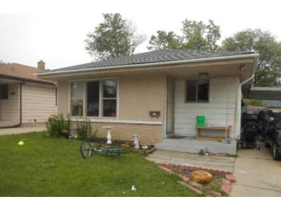 2 Bed 1 Bath Foreclosure Property in Racine, WI 53405 - Olive St
