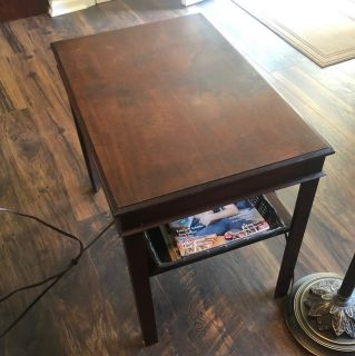 Vintage Looking End Table Great Condition!