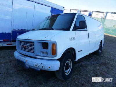 2000 GMC Savana Cargo Van