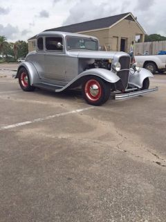 1932 Ford 5 Window Coupe w/ Rumble Seat