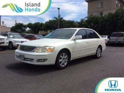 2000 Toyota Avalon XL (WHITE)
