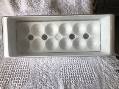 Refrigerator egg tray with lid. See all pics.