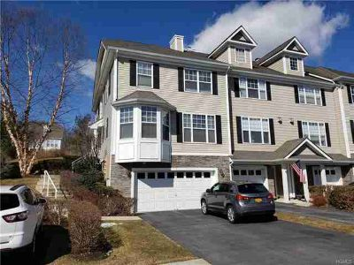 8 Putters Way Middletown, Lovely 3 BR townhouse