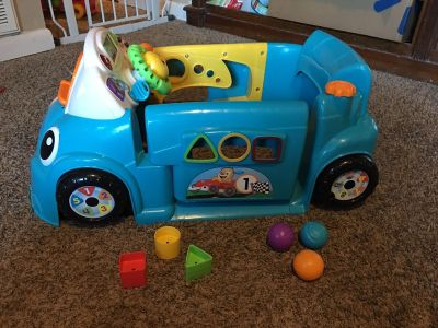 EUC Fisher price little blue car. Has all 3 original balls and shapes.