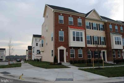 7126 Beaumont Pl Hanover Five BR, 4 level end unit Townhome with