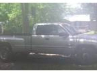 2001 Dodge Ram Truck in Spavinaw, OK