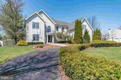 19 Dartmouth Ln RICHBORO Five BR, Absolutely the home you are