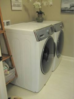 High Capacity SAMSUNG Washer and Gas Dryer - White