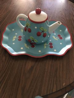 Teapot and matching serving tray
