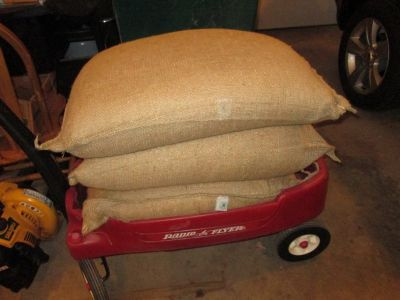 100 POUND BAGS OF FEED CORN