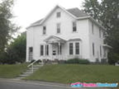 Very Nice Three BR/One BA in Hutchinson!!