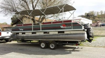?1990 Sun Tracker 90 hp pontoon Length 24?