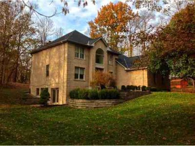 1354 Tyrolean Way Lawrenceburg, Winding Streets and Mature