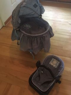 Graco doll bassinet and carrier