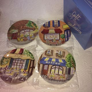 Charming cafe plate collection