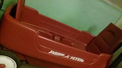 Radio Flyer Wagon $50 Great condition! (Listed at $88 brand new online)