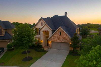 4422 Piper Pass Lane SUGAR LAND Four BR, Perfectly nestled in