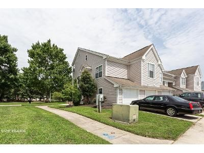 2 Bed 3 Bath Foreclosure Property in Upper Marlboro, MD 20772 - King Gregory Way