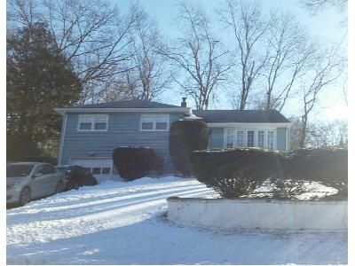 3 Bed 2 Bath Preforeclosure Property in Spring Valley, NY 10977 - Inwood Ln