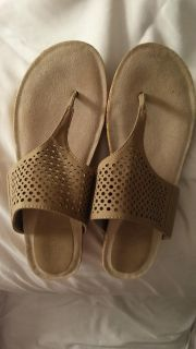 Ellen Tracy tan leather Wedges $15 Size 9
