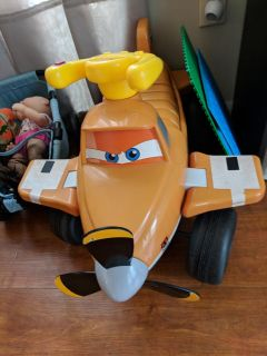 Ride on 9 volt battery plug in toy dusty Disney planes