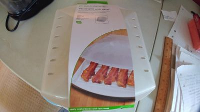 NIP - Microwave Bacon Grill with Cover - See addt'l photo for more info