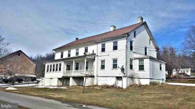 330 Shiloh Rd Morgantown, 3 Unit apartment building with 2