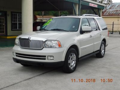 2006 Lincoln Navigator Luxury (White)