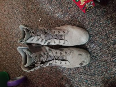 Mens size 10 steel tow boots
