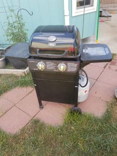 Grill with bottle