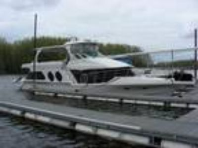 2000 Bluewater Yachts 5800 COCKPIT MOTOR YACHT