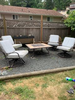 Fire Pit table and chairs **NOT propane**