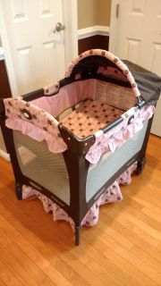 Graco Travel Lite Pack 'n Play with Bassinet