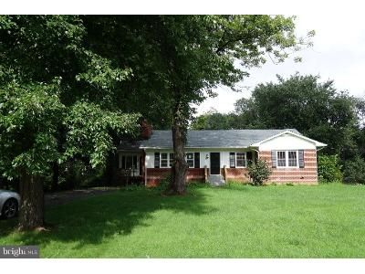 3 Bed 3 Bath Foreclosure Property in Round Hill, VA 20141 - Jackson Ave