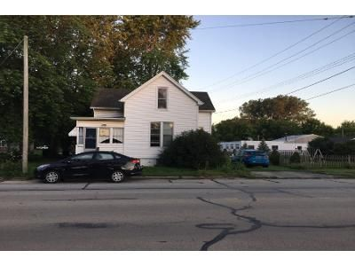 3 Bed 2.0 Bath Preforeclosure Property in Tuscola, IL 61953 - S Washington St