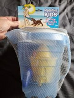 New Sand Toy - 8 Piece Set. Bucket and Tools