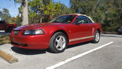 2002 Ford Mustang Deluxe (Red)